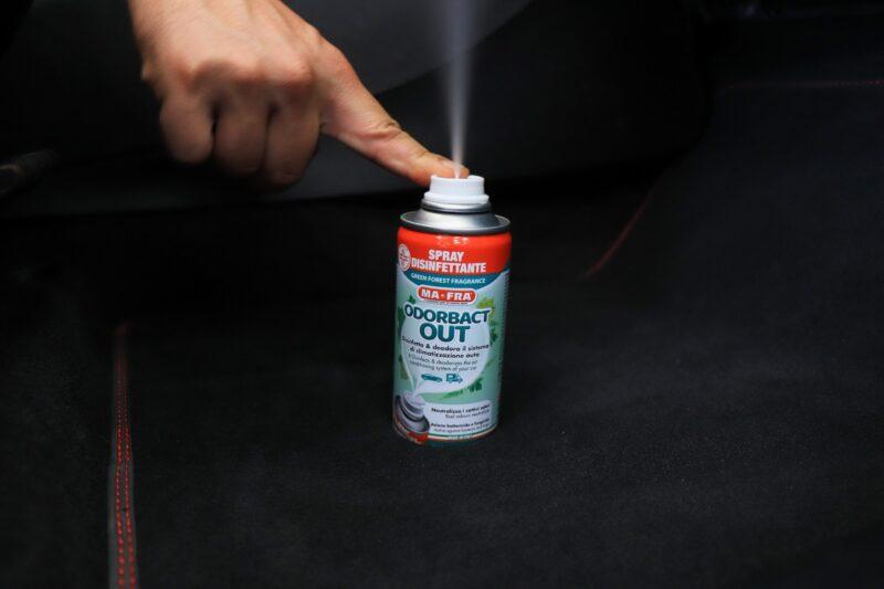 prodotti disinfezione auto